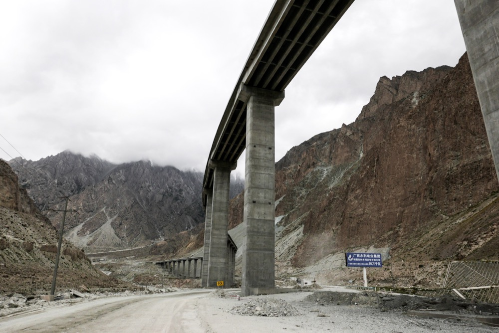 On the Karakoram Highway. © 2014 Alessandro Rippa